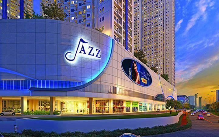 SM Jazz Mall (750 m)
